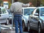 Napoli, video nascosti denunciare parcheggiatori abusivi