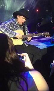 Garth Brooks World Tour 2014: Minneapolis memorabile. Serenata per una malata di cancro