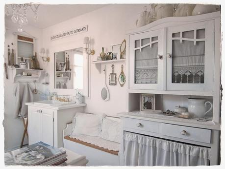 una romantica casa shabby chic style in centro a vienna. Black Bedroom Furniture Sets. Home Design Ideas