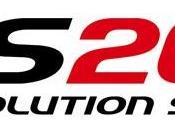 Evolution Soccer 2015 (PES 2015) Konami tenta dribbling