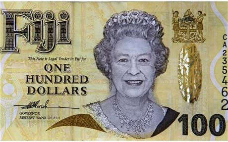 Fiji dice basta alla regina elisabetta sulla propria for Quanto costa la corona della regina elisabetta