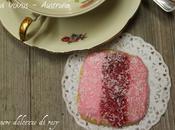 Homemade Iced Vovo's tipici biscotti glassati australiani accompagnare