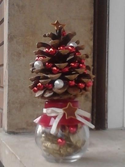 Decorare con le pigne l albero di natale paperblog - Le decorazioni di natale ...