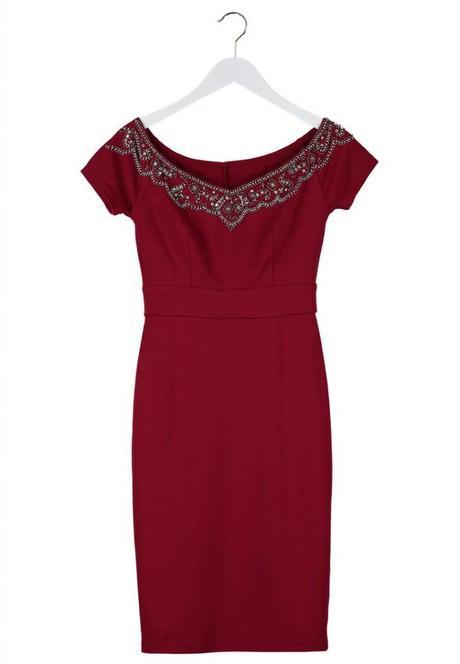 3f24f61e1d4b vestito rosso sexy capodanno. Vestito rosso bretelle 38 euro. Vestito  elegante ricami su scollo a barca
