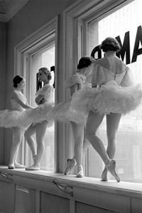 4.Alfred-Eisenstaedt,-Future-Ballerinas,-New-York,-New-York-1937-©Time-Inc.
