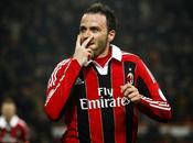 Milan saluta Pazzini destinazione Premier League