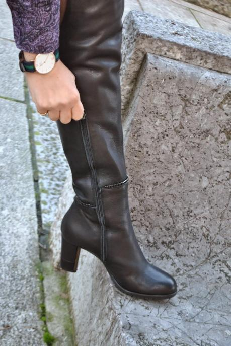 black leather skirt and over knee boots paperblog