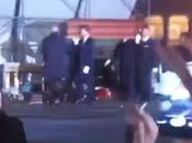 Video. Funerali Pino Daniele, bara viene posata sull'altare