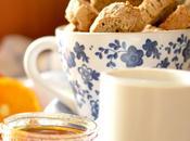 Cantucci alle nocciole, uvetta Tuscan biscotti with hazelnuts, raisin