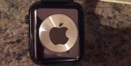 Febbre da Apple Watch: su eBay venduto un falso prototipo