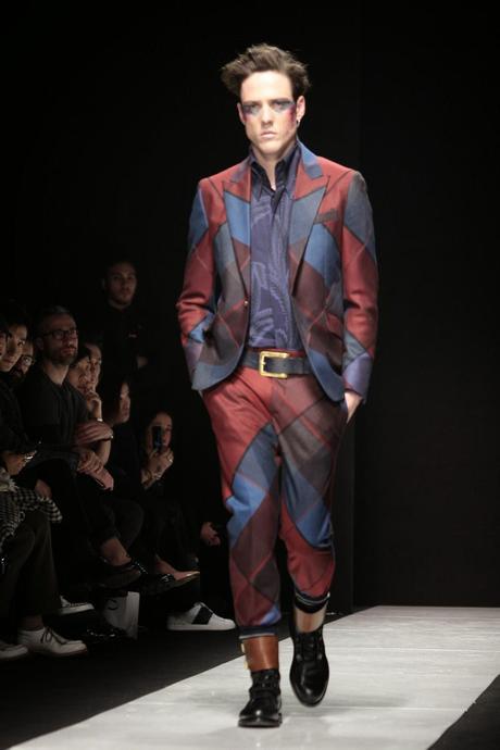 Milano moda uomo vivienne westwood a i 2015 16 paperblog for Studio moda milano