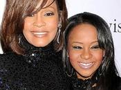 figlia Whitney Houston come madre: priva sensi vasca bagno coma indotto""