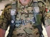 Perché Giordania vestito soldato piace alla gente. folle maschio alpha, Benito Mussolini Vladimir Putin