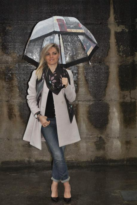 Outfit Under The Rain Jeans Heels And Lady Like Coat