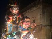 Video. L'oro Napoli trionfato Carnevale bello d'Italia