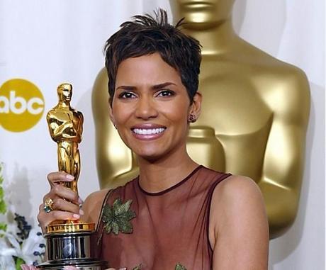 Halle Berry Oscar 2002