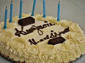 Torta ricoperta ganache montata cioccolato bianco