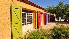 Conoscere magico mondo colori nell'antica Fabbrica Mathieu