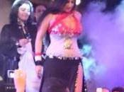 Egitto: famosa danzatrice ventre Sofinar esibì bandiera nazionale, arrestata vilipendio