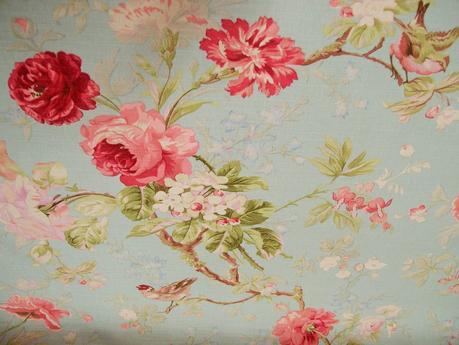 I tessuti di primavera con le rose arredare con i fiori for Tessuti francesi arredamento