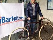 Domenica marzo scena Classicissima d'Epoca. Rivive Milano Sanremo storica biciclette anni Venti