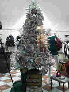 Natale a Cava dei Tirreni, tra stand e decorazioni