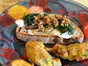 Antipasto time: bruschetta stracciatella bufala, alici agretti fiori zucca ripieni zucchina