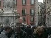 Turisti Napoli. Affluenza record nonostante pioggia