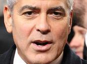 L'angolo neurone rincoglionito (14) caso Clooney sull'incredibile divieto passeggiare nostro demanio.