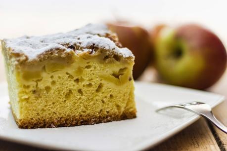 Torta di mele con base di Colomba Pasquale