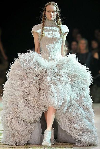 6ac3a15424 L'abito da sposa di Kate Middleton sarà di Alexander McQueen - Paperblog