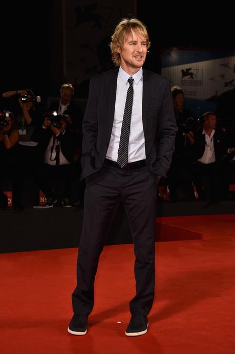 Moda Uomo Come Indossare Le Sneakers Con Un Vestito Giacca E Cravatta Paperblog