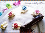 Torta cacao panna montata profumo cannella, senza glutine lattosio Chocolate cake with whipped cream flavored cinnamon, gluten-free lactose-free