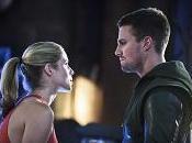 """""""Arrow perché valsa l'attesa Oliver Felicity insieme altri scoop sugli episodi finali"""
