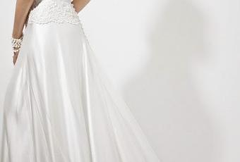 d2baaa304fb5 L abito da Sposa fra tradizione e modernità grazie allo stile di Galvan. -  Paperblog