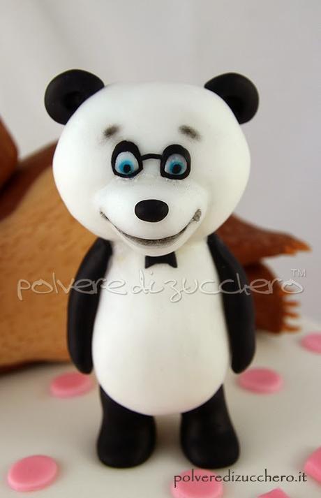 Torta decorata masha e orso con panda in pasta di
