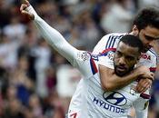 Lione-Evian 2-0: Grenier Lacazette tengono vivo sogno lionese