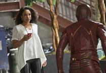 """The Flash"": Candice Patton sulla rivelazione di Iris, Grodd, Barry vs. Eddie, un finale inaspettato"