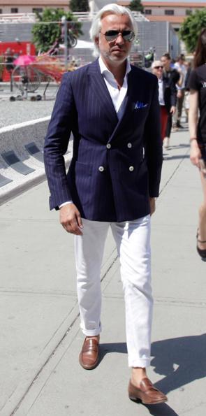 abbinare la giacca doppiopetto blu