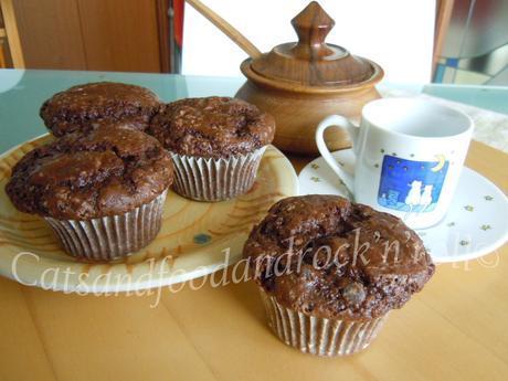 Muffin al doppio cioccolato e avocado