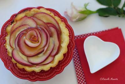 Crostata con rose di mele e crema - Paperblog