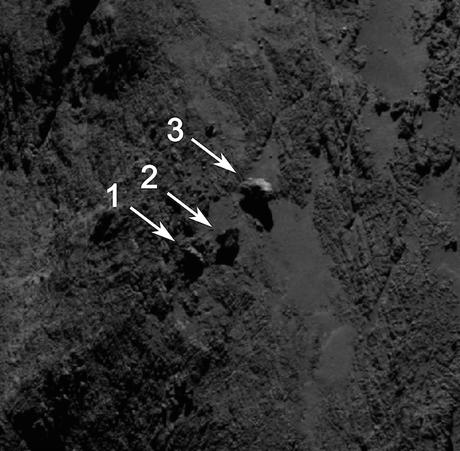 Rocce equilibriste sulla cometa 67P