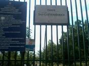 Parco Gaetano Errico Secondigliano, dimenticato erba alta degrado