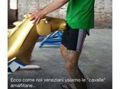 Vogatore veneziano offende Amalfi: oltraggiato simbolo della città