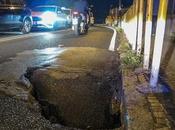Video. Crolla Napoli: Calata Capodichino Tasso, voragini strada