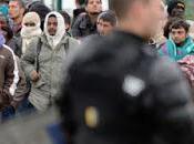 Francia blinda frontiere, migranti guadagna 12miliardi euro