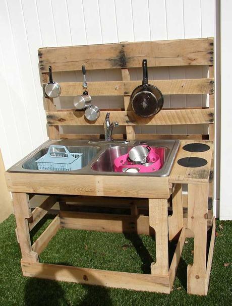 Realizzare Una Cucina Da Giocare Per I Bambini Con I Pallet Paperblog