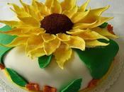 Torta cacao crema cocco, decorata girasoli pasta zucchero