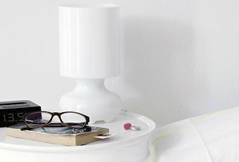 Diy comodino effetto color dipped per una camera da letto for Inquilino significato