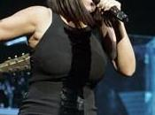 Laura Pausini incinta, semplicemente… grassa